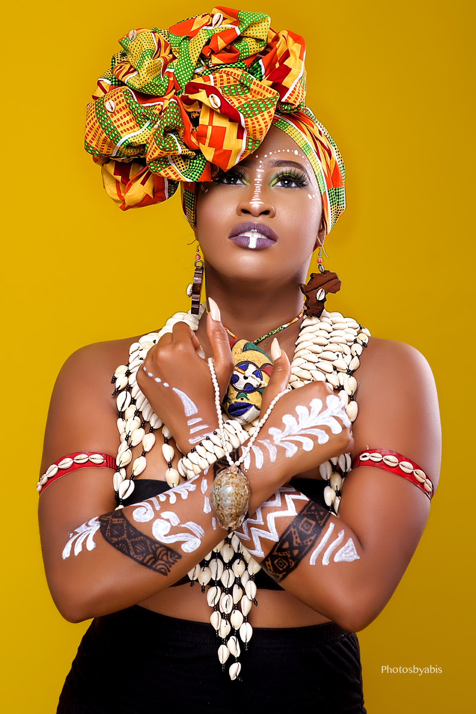 Check Out This African Tribal Beauty By